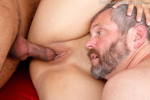 Cumeatingcuckolds.com- Slowly He Takes It