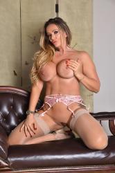 lz-horley-pink-lingerie-59.jpg