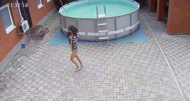 Voyeur-house.tv- Lena walks outside naked under open dress