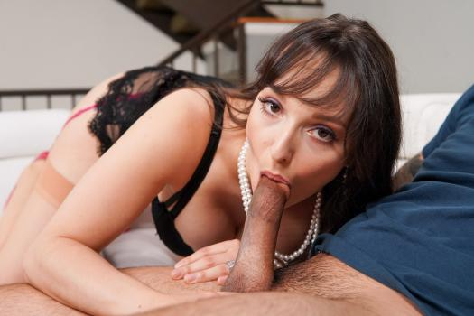 Mommy Blows Best – Lexi Luna And Jon Rogue
