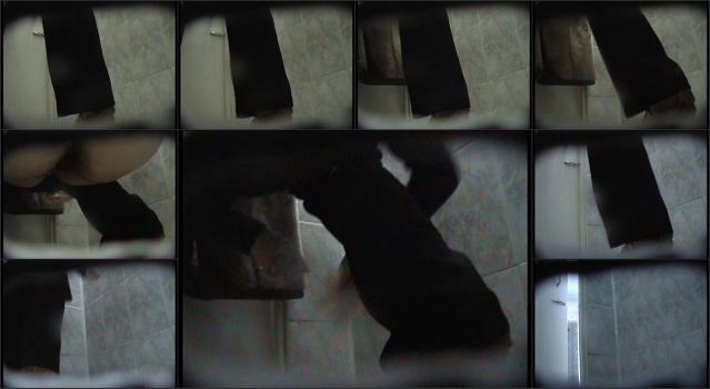 Woman-toilet - 010