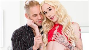 devilsfilm-20-09-29-jenna-gargles-transsexual-girlfriend-experience-09.jpg