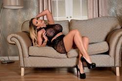 lz-pr-black-lingerie-res-10.jpg