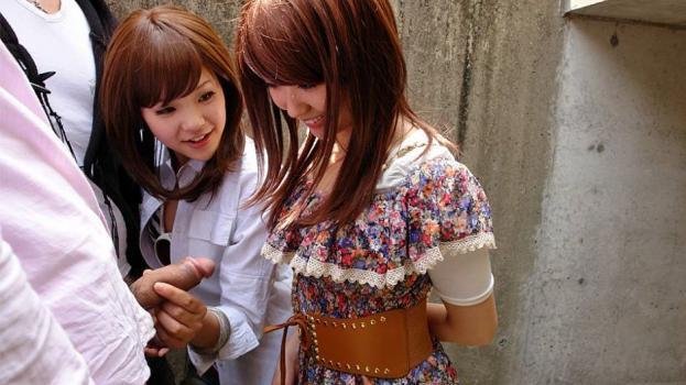 Japanhdv.com- Rimu Endo teaches Ueno Misaki few tricks