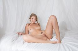 venusmichelle_blondcowtails_erotic-art-photography_0001_high.jpg