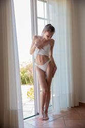 mira_availiblelight_erotic-art-photography_0008_high.jpg