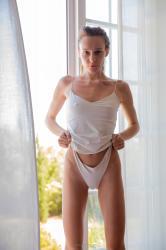 mira_availiblelight_erotic-art-photography_0017_high.jpg