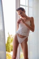 mira_availiblelight_erotic-art-photography_0019_high.jpg