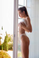 mira_availiblelight_erotic-art-photography_0021_high.jpg