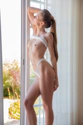 mira_availiblelight_erotic-art-photography_0024_high.jpg