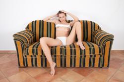 mira_availiblelight_erotic-art-photography_0028_high.jpg