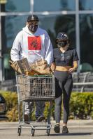 miley-cyrus-grocery-shopping-candids-18.jpg