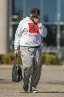 miley-cyrus-grocery-shopping-candids-23.jpg