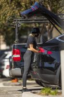 miley-cyrus-grocery-shopping-candids-30.jpg
