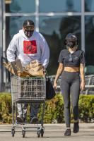 miley-cyrus-grocery-shopping-candids-52.jpg