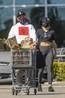 miley-cyrus-grocery-shopping-candids-70.jpg