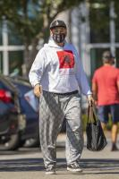 miley-cyrus-grocery-shopping-candids-86.jpg