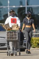 miley-cyrus-grocery-shopping-candids-94.jpg