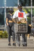 miley-cyrus-grocery-shopping-candids-102.jpg
