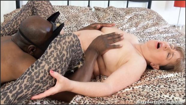 Fetish porn- Jungle Girl Meets The Dark Knight